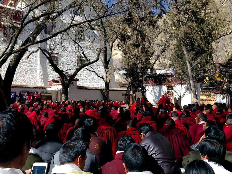 2-Tibet-Sera-Debat