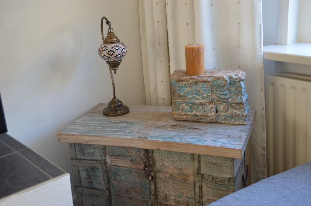 Onze nieuwe kist in India stijl :) De lamp komt uit Istanbul.