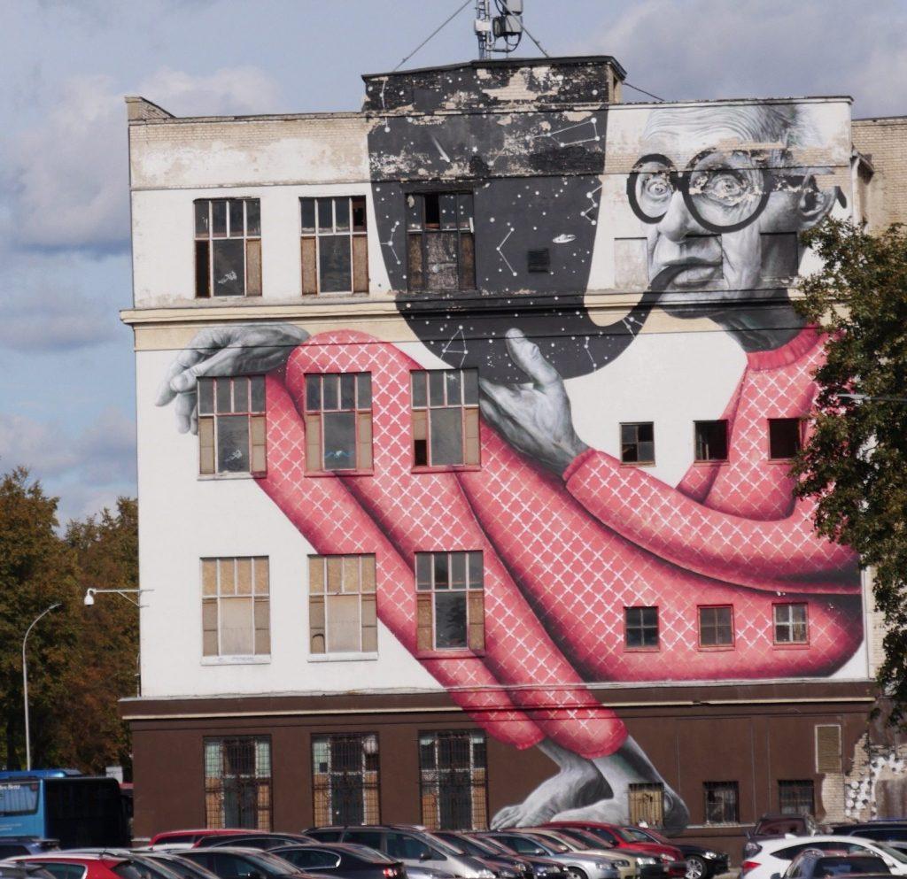 the wise man street art kaunas