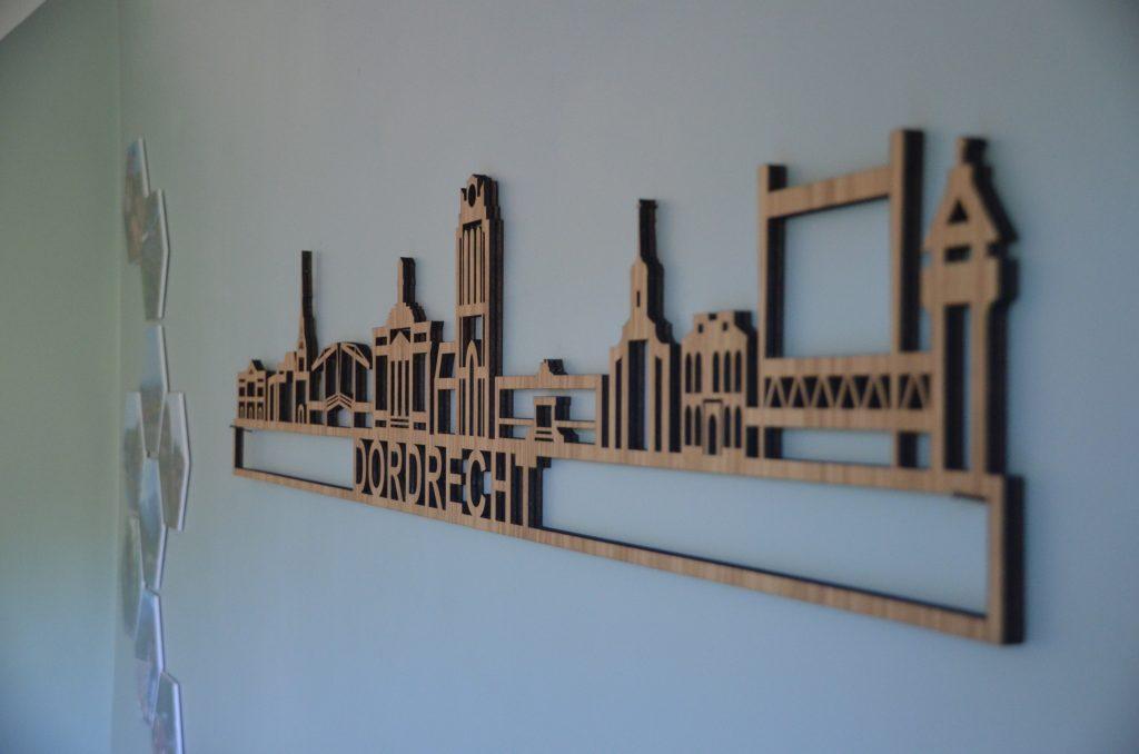 skyline aan de muur