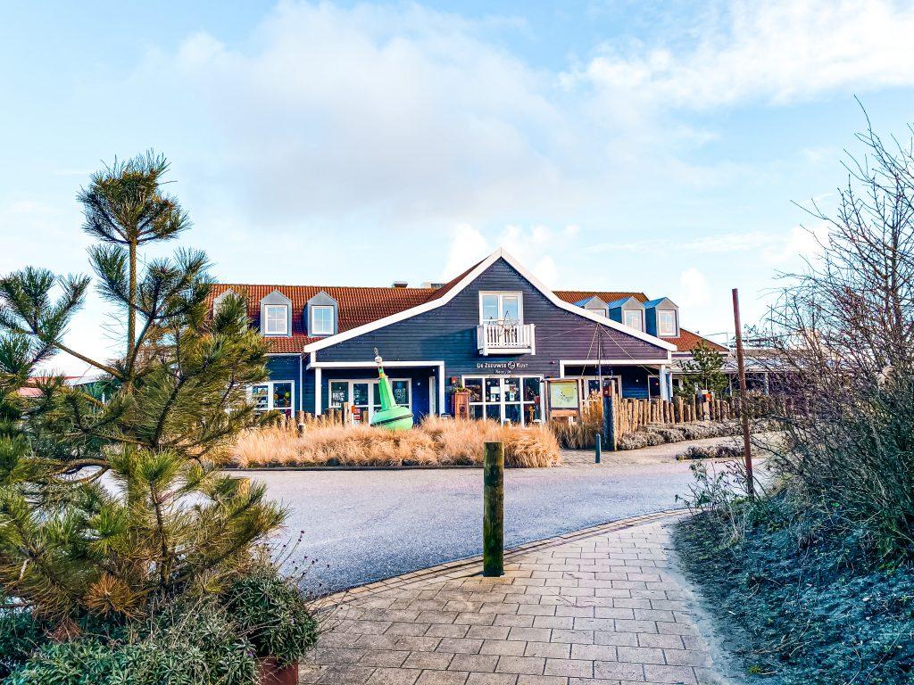 hotel de zeeuwse kust familiehotel met het gezin naar zeeland